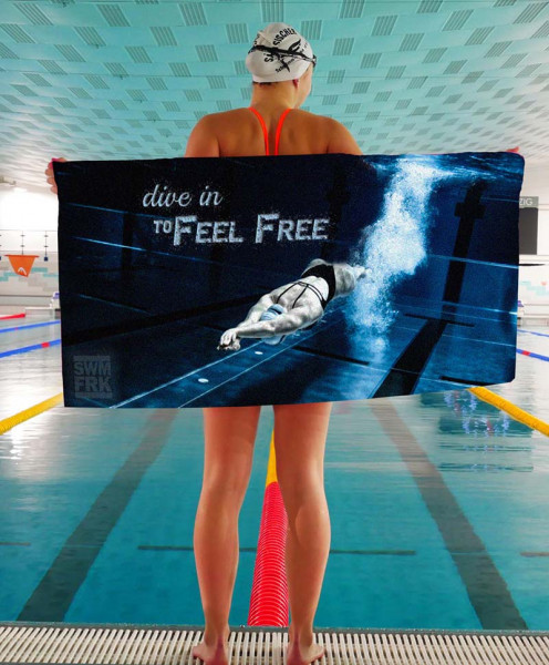 """Dive in to feel free"" Handtuch 